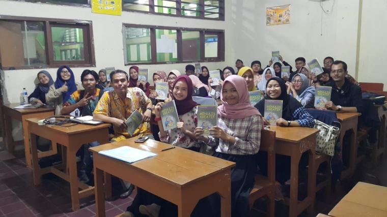 """Mahasiswa Unindra Siapkan Kumpulan Cerpen """"Cinta Sang Politikus"""""""