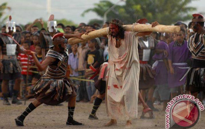 Memaknai Salib, Penderitaan dan Tantangan Masa Depan Umat Nasrani