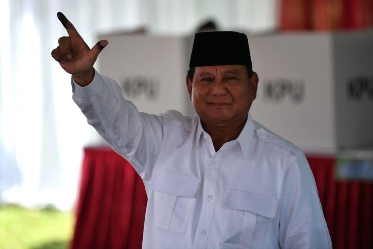 Sujud Kemenangan Prabowo Bentuk Edukasi terhadap Framing Quick Count