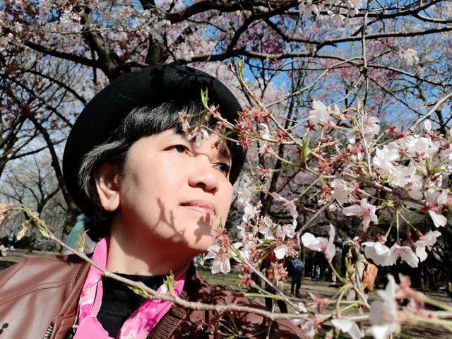 [Berburu Sakura 12] Terima Kasih Mereka untukku, Langit Biru, dan Bunga Sakura