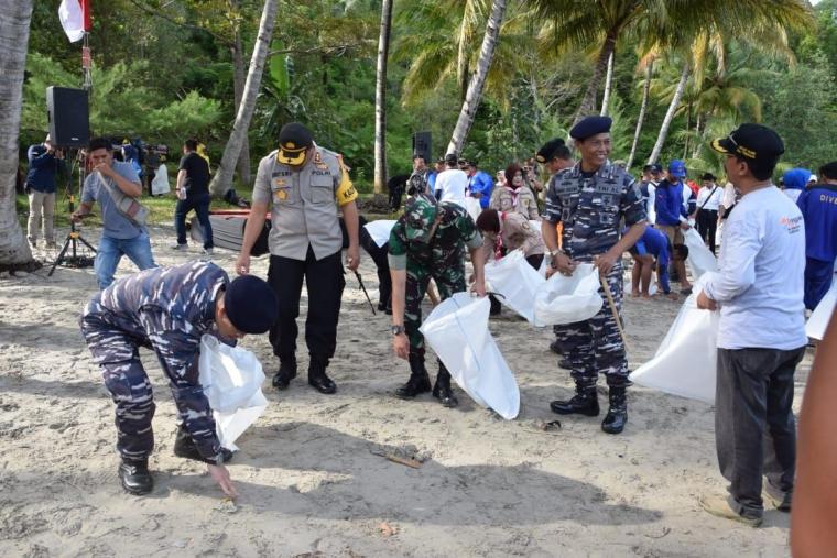 Dandim 0806 Trenggalek Dukung Giat Satu Aksi Selamatkan Laut