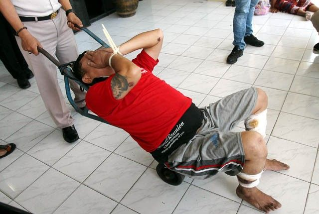 "Polisi Tembak Kaki Tersangka, ""Khas Indonesia""?"