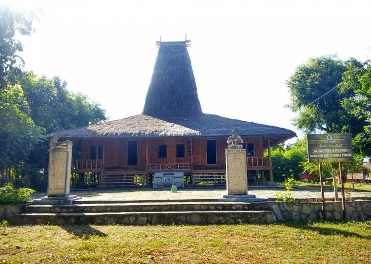 Kekayaan Budaya Sumba Masih Terpelihara di Kampung Adat Praing Prailiu