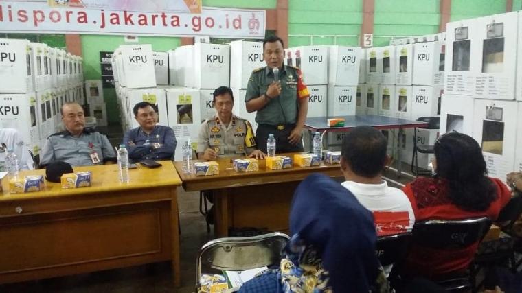 Rapat Penetapan Hasil Pemilu Kecamatan Palmerah, Begini Pesan Danramil 03/GP dan Tiga Pilar
