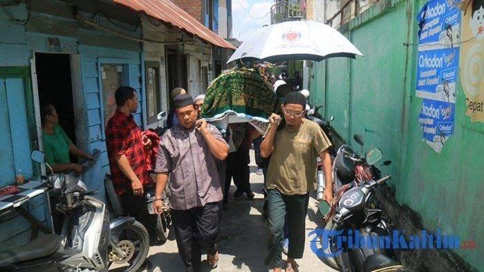 Kubu Prabowo Usul Bongkar Makam Pahlawan Demokrasi