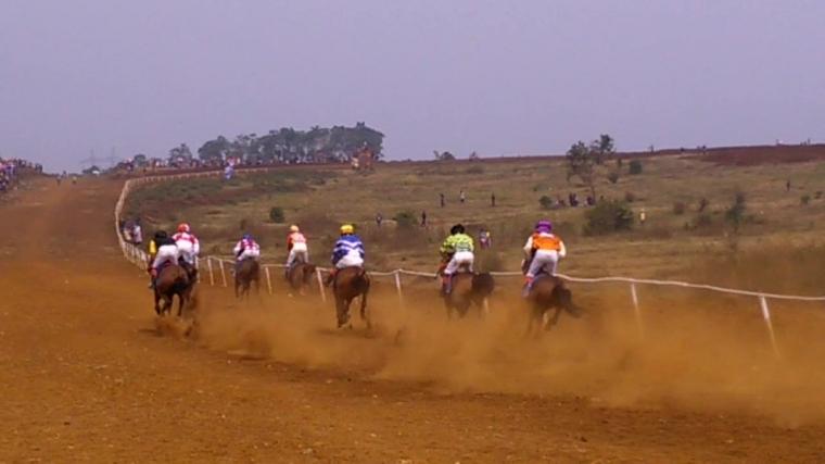 Tradisi Balap Kuda di Sumedang