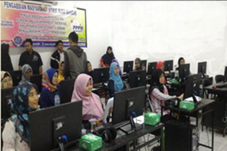 """Media Sosial untuk Digital Branding Usahan Mikro Masyarakat Pondok Labu dalam Mendukung Jakarta """"Smart City"""""""