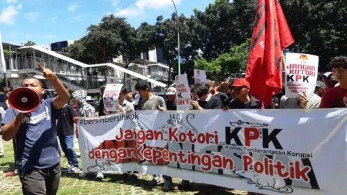 Pengaruh Lobi Politik, Internal KPK Semakin Lemah