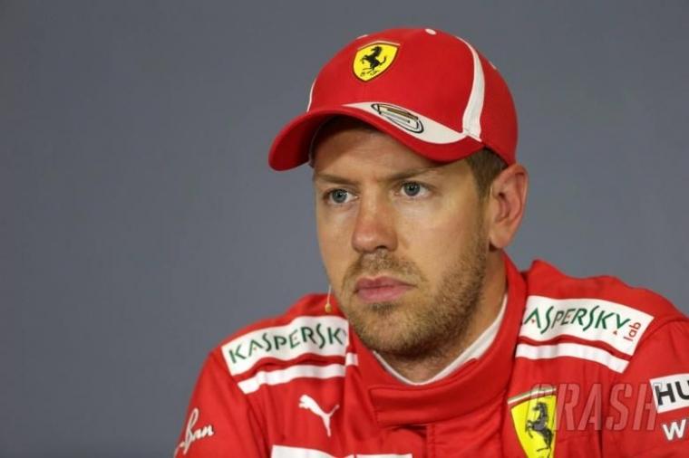 Sebastian Vettel Tertekan, Bisakah Ia Juara Dunia dengan Ferrari?