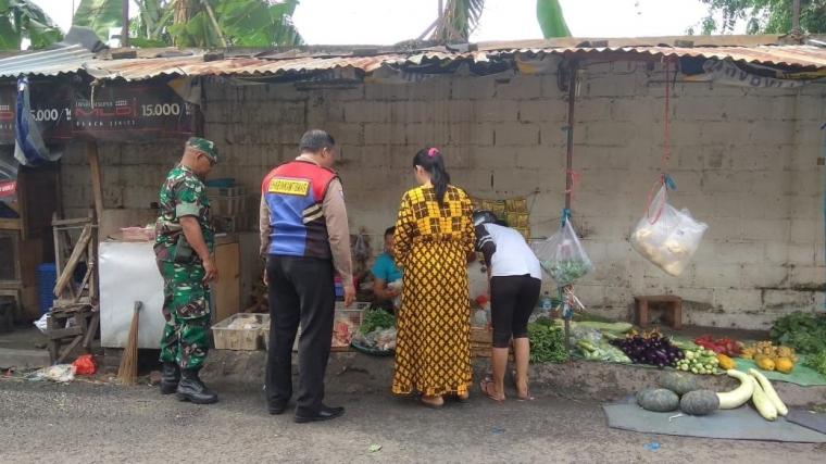 Bulan Ramadan, TNI-Polri Wonocolo Kompak Lakukan Pengecekan Harga Sembako