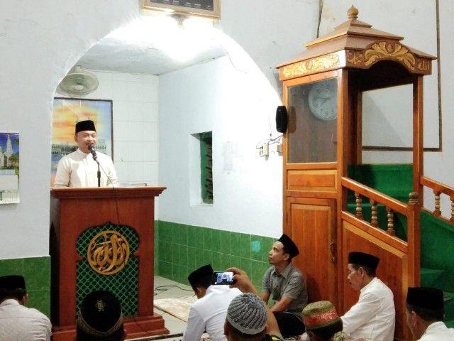 Hadits Shahih Dibacakan Bupati Bantaeng dalam Kunjungannya di Masjid Nurul Qalam