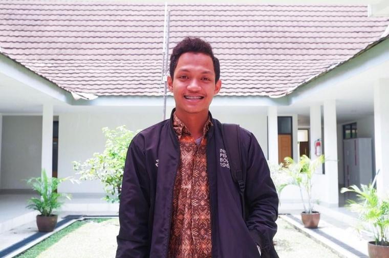 Azman, Sukses Mengembangkan Bisnis Online Sejak Muda