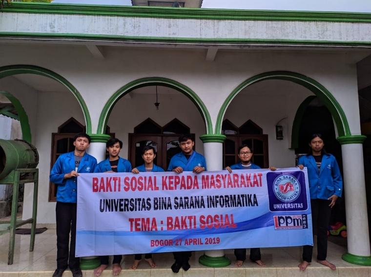 Pengabdian Masyarakat Mahasiswa UBSI Bogor di Mushola Al-Muttaqin