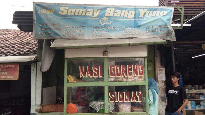 Menanti Berbuka Puasa di Warung Siomay Bang Yono