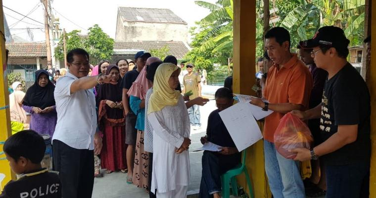 Warga Binong Permai Tangerang Berbagi Kebahagiaan kepada Anak Yatim dan Duafa