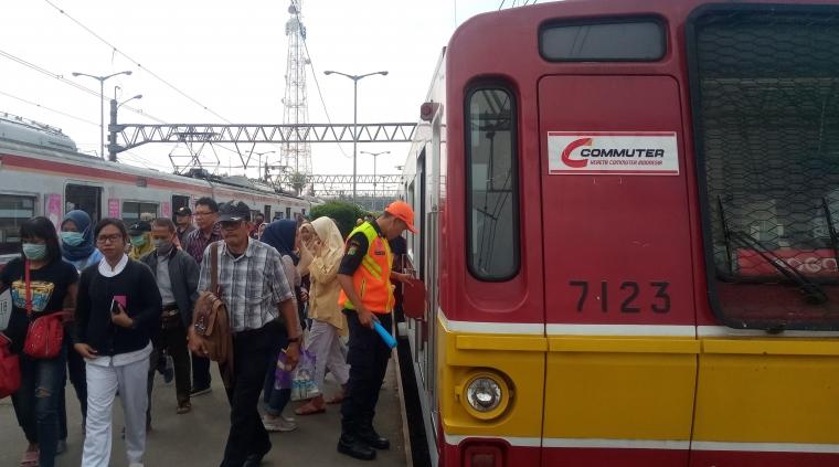 Hal-hal yang Perlu Diketahui Penumpang Commuter Line Selama Libur Lebaran