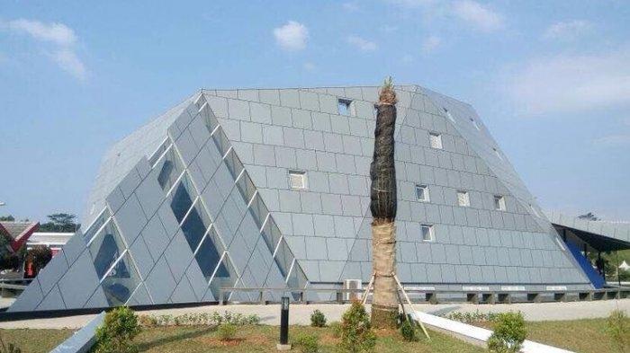 Apakah Masjid Al-Safar Ada Hubungannya Dengan Illuminati dan Teori Konspirasi