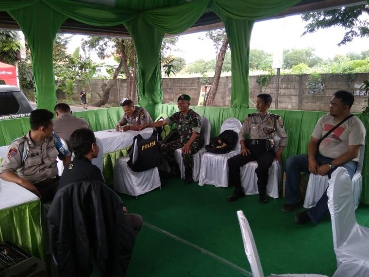 Koramil Gayungan Perkuat Pengamanan Operasi Ketupat Semeru 2019