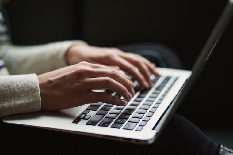 Menulis Gaya Online