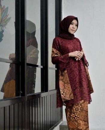 30 Model Gamis Brokat Kombinasi Batik Halaman All