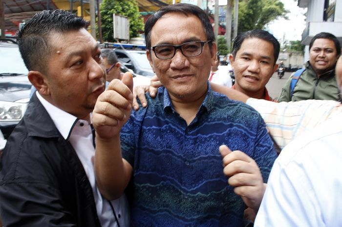 Cuitan Andi Arief Kembali Menggemparkan Dunia Politik
