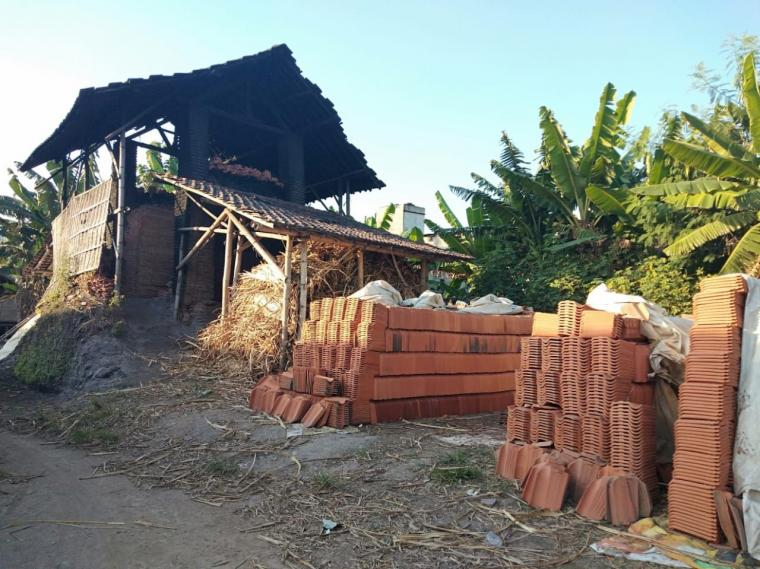 Merintis Usaha Produksi Genteng di Dusun Ngembalrejo
