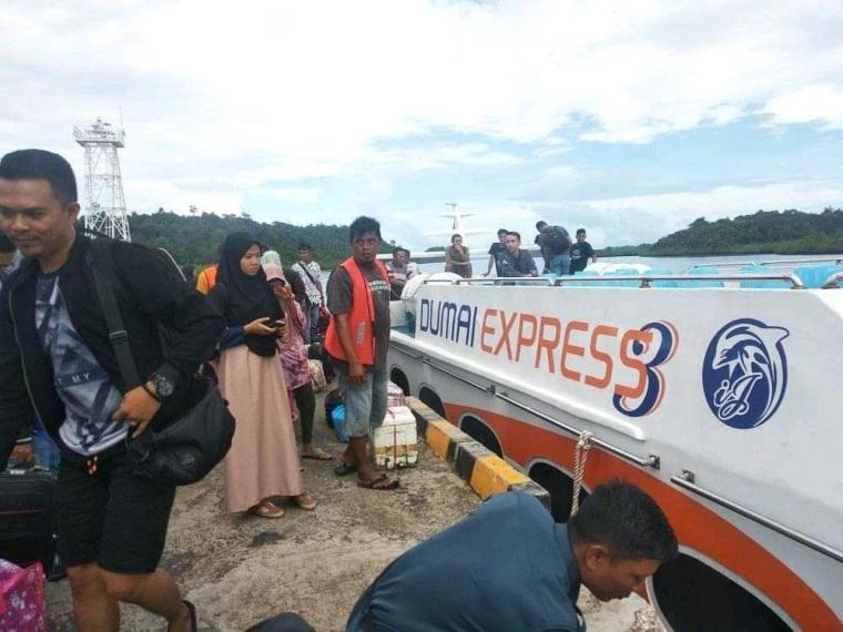 Penumpang Pesawat Turun, Penumpang Kapal Malah Meningkat