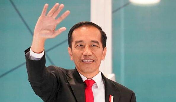 Jokowi Tampil Lepas, Siap-siap Dilengserkan