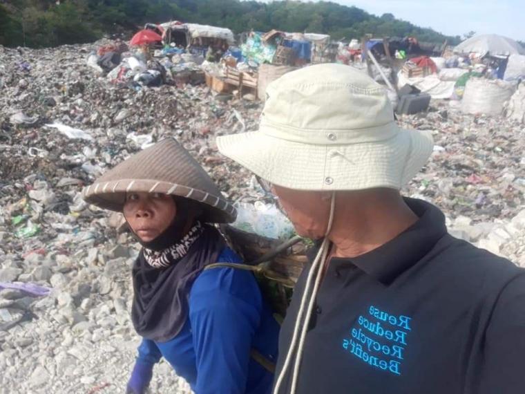 Melangkah di Atas Badai Sampah