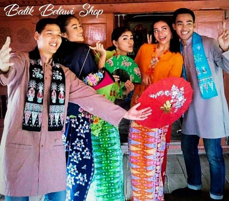Tampil fashionable dengan Batik Betawi
