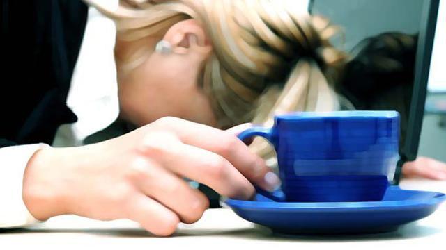 10 Tanda Anda Mengalami Kelelahan Emosional dan Cara Mengatasinya