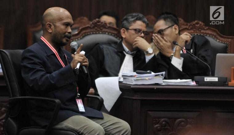 Pak Hakim MK, Apa Salahnya Orang Kampung Jadi Saksi?