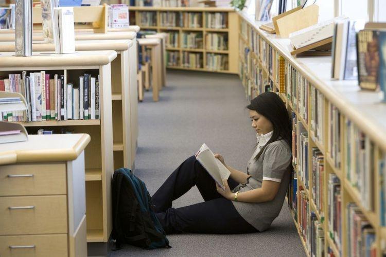Mahasiswa, Masihkah Kau Hobi Membaca Buku?
