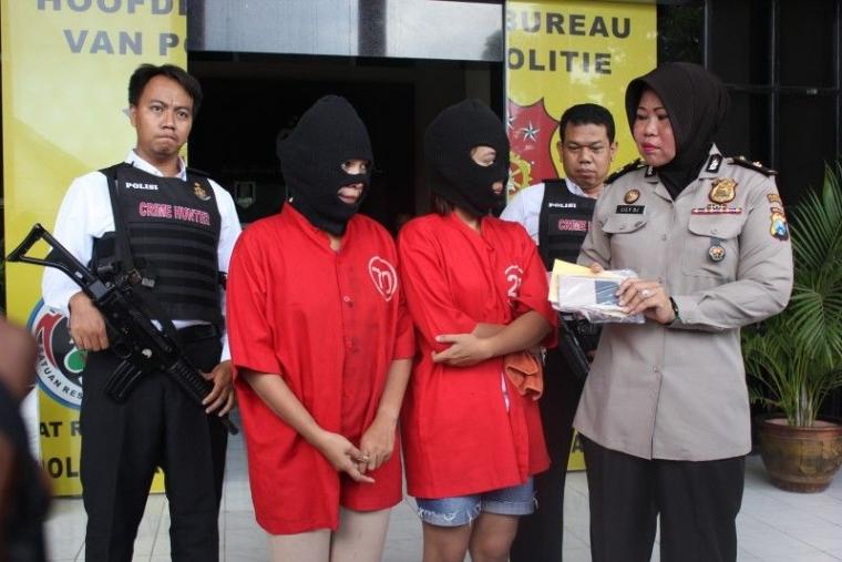 Dua Admin Situs Judi Poker Online Tertangkap Polisi Di Riau Kompasiana Com