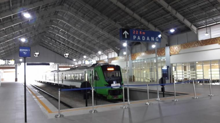 Bertarif Murah, Kereta Api di Bandara Padang Lumayan Diminati