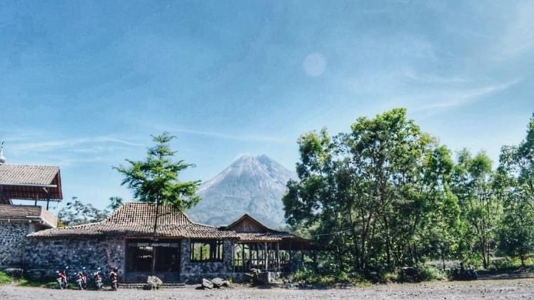 Warung Kopi Merapi, Nikmatnya Ngopi Asyik di Bawah Kaki Gunung Merapi