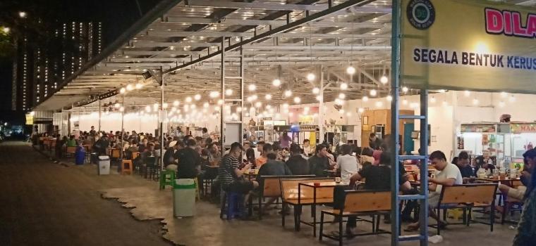 Tumbuh Pesat Bisnis Warung Kopi di Surabaya