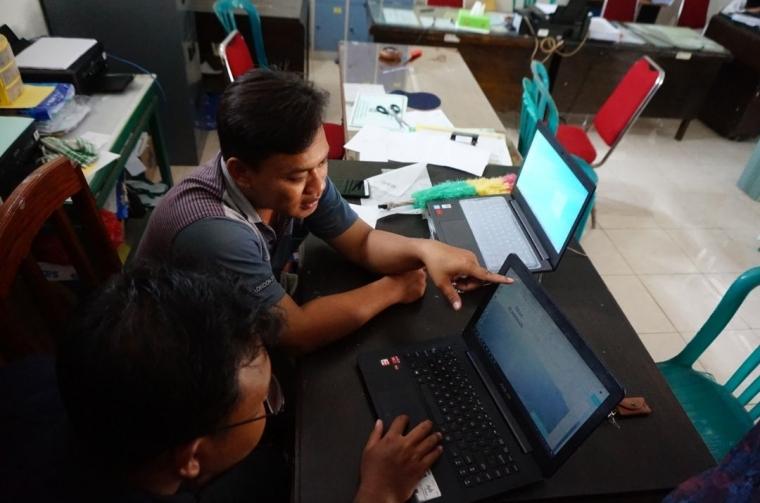 Peningkatan IPTEK dan Pembuatan Web Desa untuk Maksimalkan Promosi Desa Plandaan
