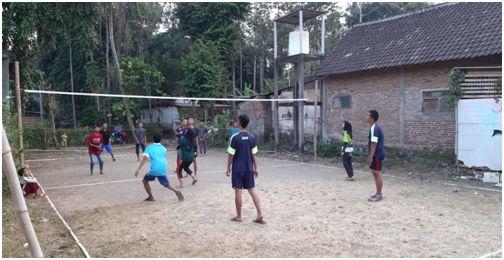 Pendampingan dan Pembentukan Tim Bola Voli Dusun Premban