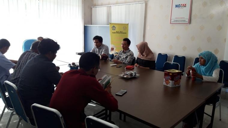 Siaran RRI dan Pajak Bertilawah, Warnai Peringatan Hari Pajak di KP2KP Manggar