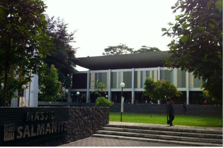 Berjuta Kenangan dari Masjid Salman ITB