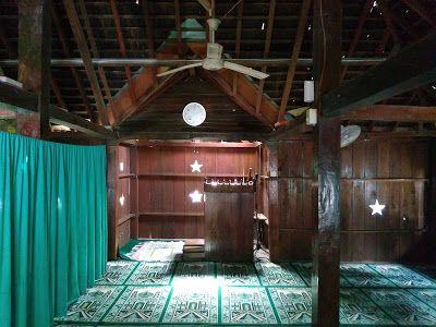 Berkunjung ke Masjid Darussajidin Bondan, Masjid Tertua di Indramayu