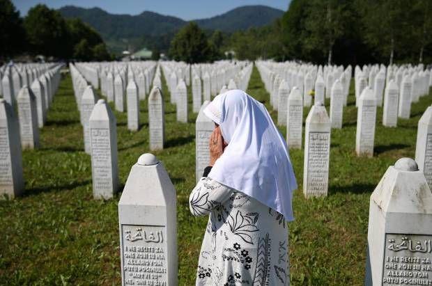 Duka Umat Muslim dalam Pembantaian Srebrenica