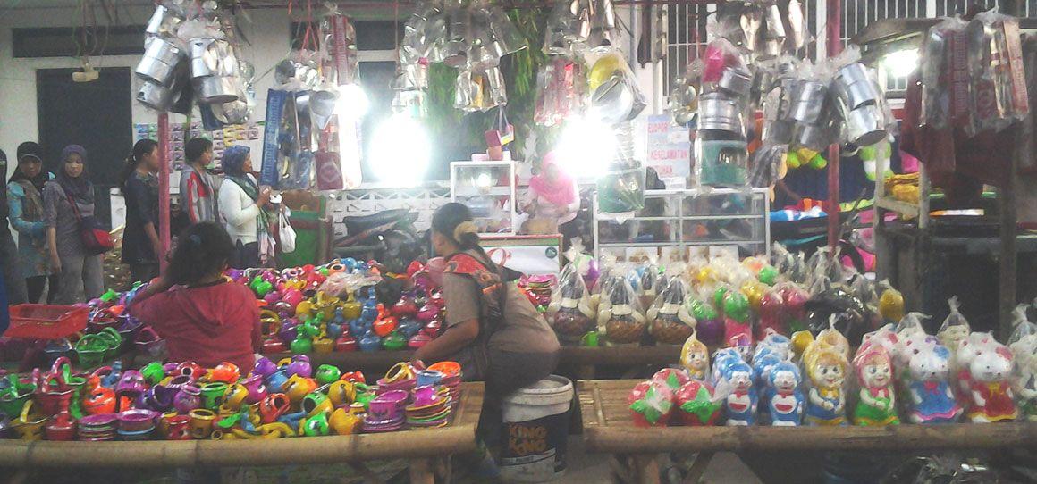 Berburu Harga Boboran di Dandangan Setelah Sahur Pertama Ramadan