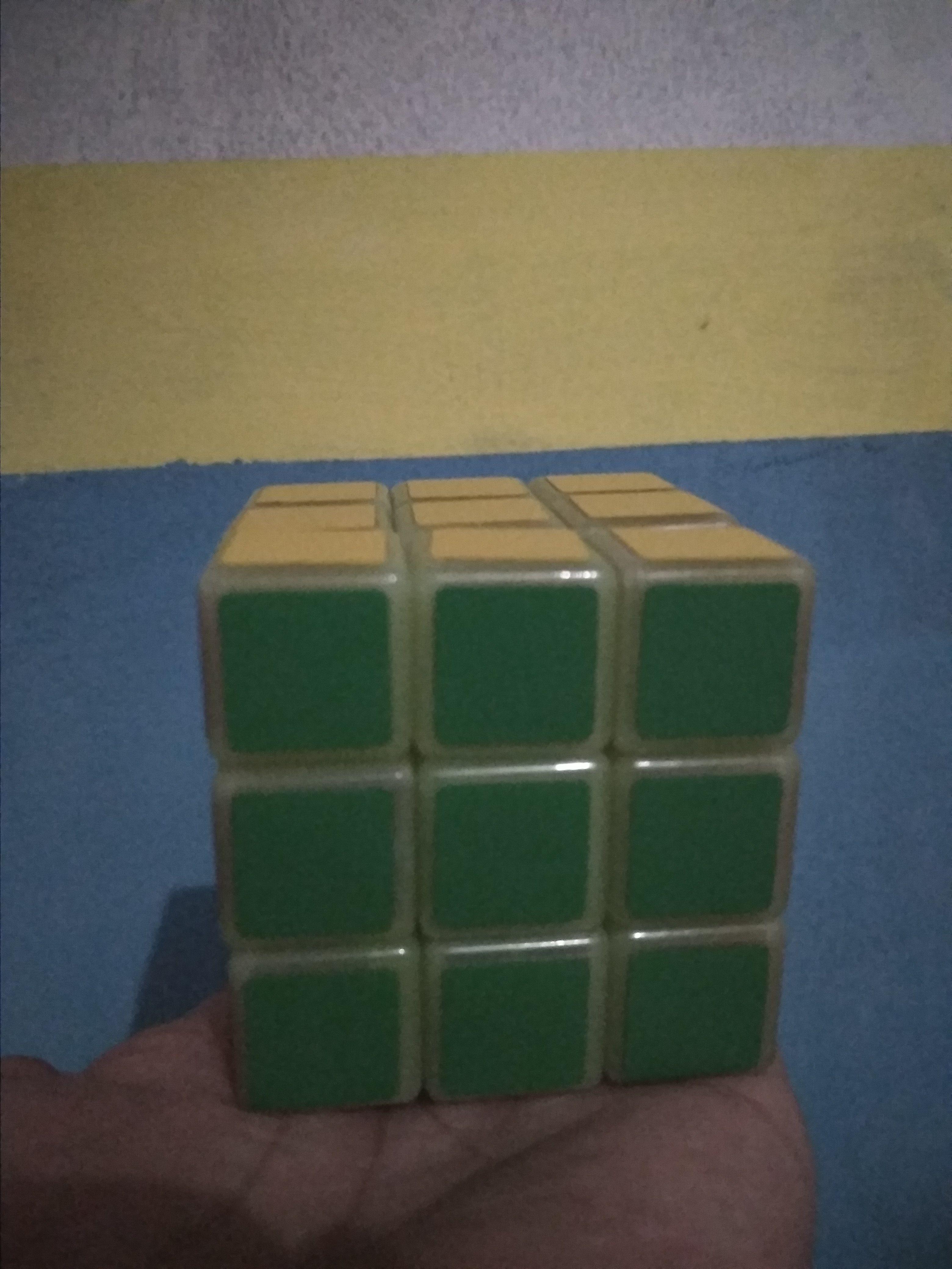 Ngabuburit dengan Bermain Rubik di Rumah