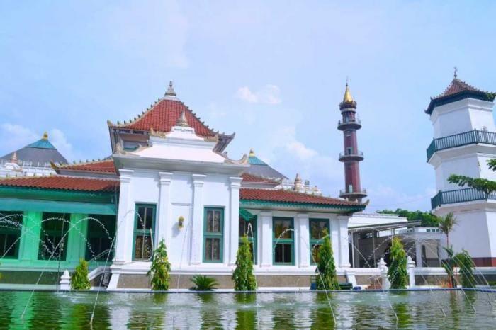 Masjid di Titik 0 Palembang