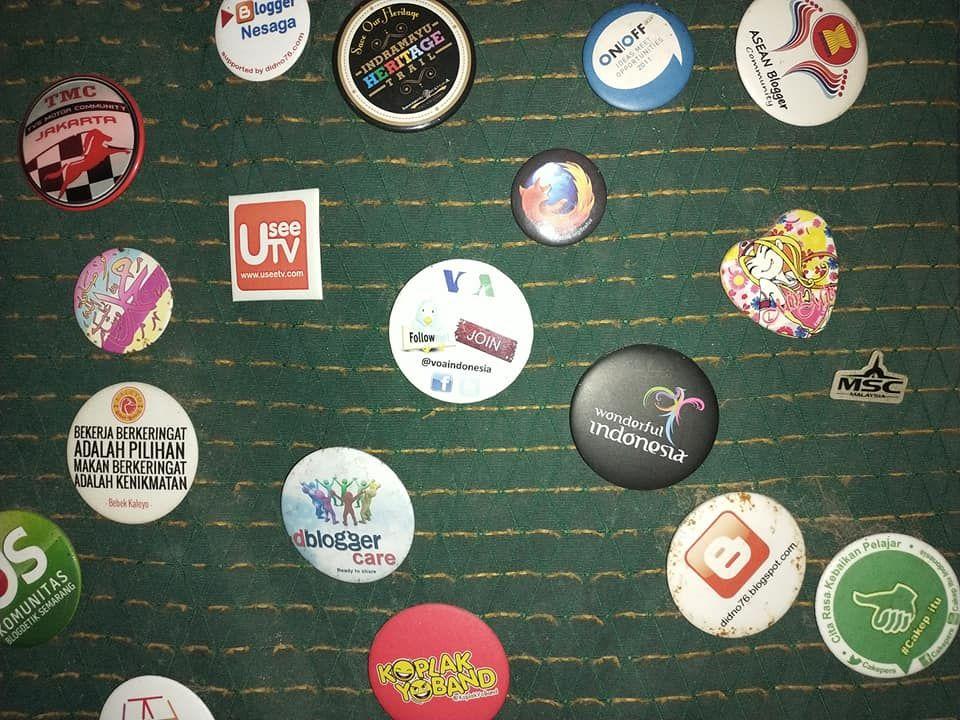Koleksi Pin Kegiatan Blogger
