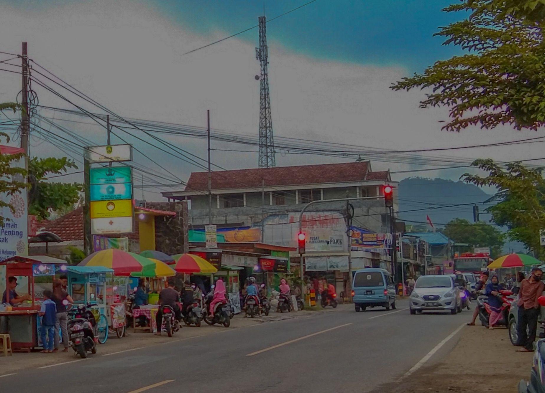 H-3 Lebaran, Depan Kantor Kecamatan Tugu Dipadati Penjual Takjil