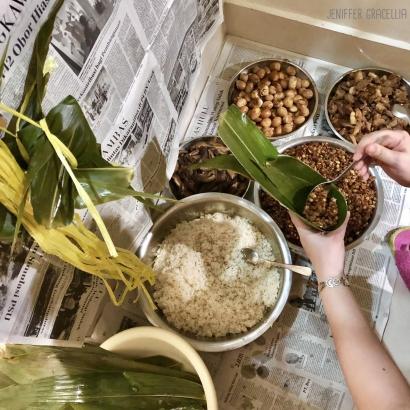 Tradisi Membuat Bakcang ala Keluarga Saya dan Mandi di Sungai Kapuas