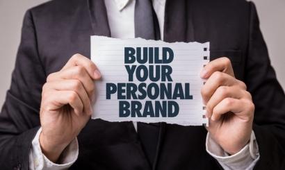 Salah Kaprah tentang Menjadi Diri Sendiri dalam Membangun Personal Branding di Media Sosial